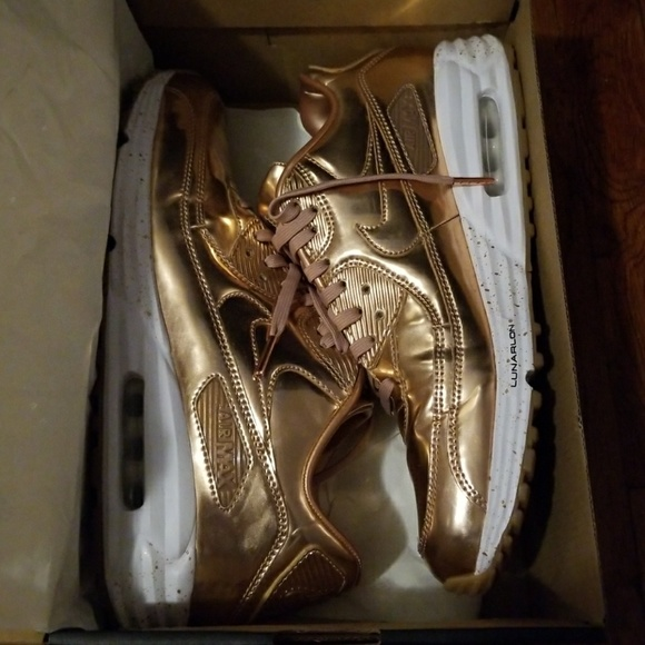 innovative design 51cd9 68727 Nike ID Air Max 90 Rose Gold Metallic. M 5a5437956bf5a6cbbc038c1f
